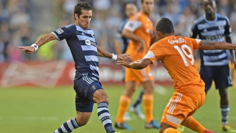 My top 11 best MLS kits of the past decade   J. Sam Jones - https://league-mp7static.mlsdigital.net/mp6/image_nodes/2014/08/FeilhaberGarrido.jpg