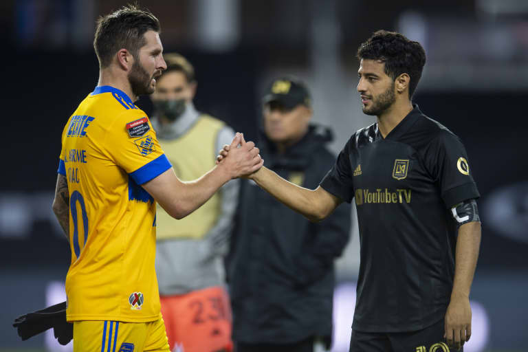CCL Final 2020 - Gignac and Vela handshake