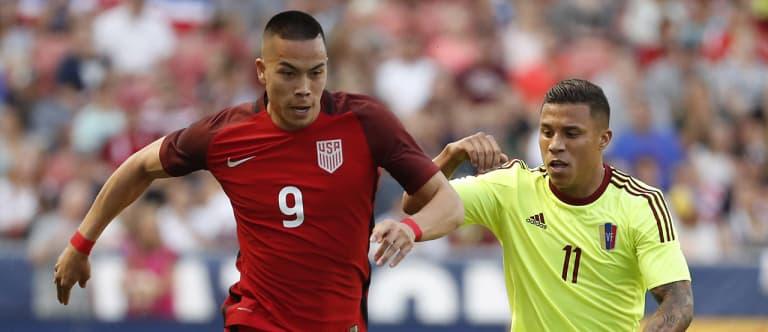 Seltzer: Arena's US national team choices high on experience, flexibility - https://league-mp7static.mlsdigital.net/images/Bobby%20Wood%20082817.jpg