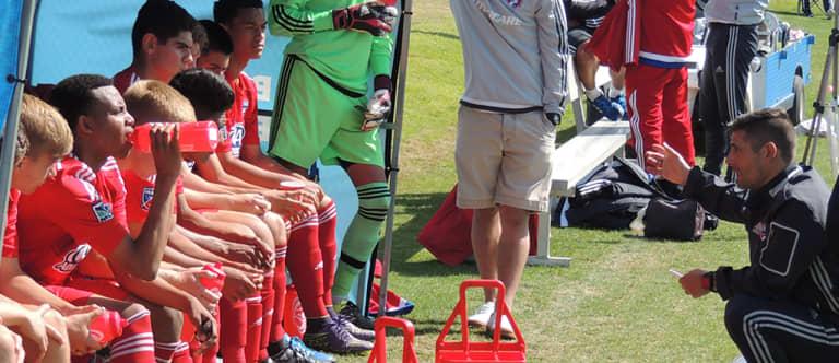Boehm: Homegrown derby? Mutual respect between FC Dallas, Real Salt Lake - https://league-mp7static.mlsdigital.net/images/Luchi-Gonzalez-with-FCD-academy-kids.jpg