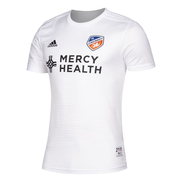 FC Cincinnati unveil primary and secondary jerseys for inaugural MLS season - https://league-mp7static.mlsdigital.net/images/13YYA_FCN_FCNSYF3_W13_MF.jpg