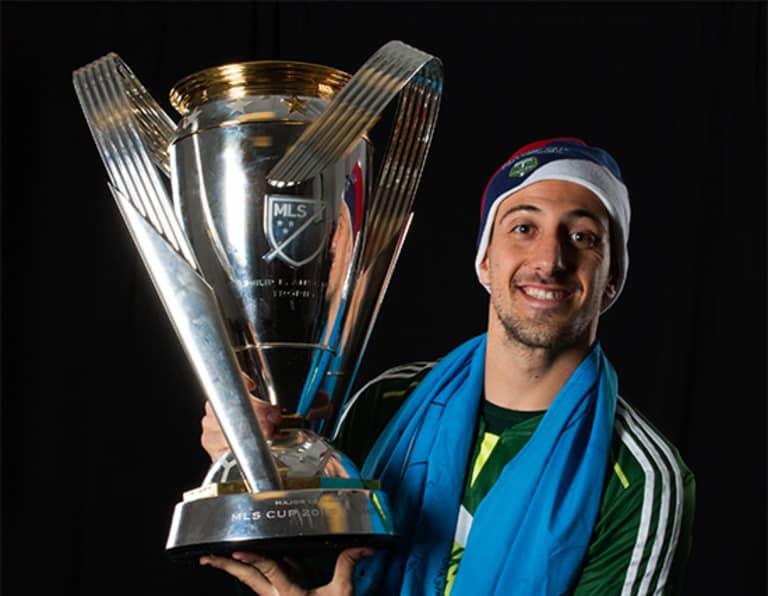 FC Dallas' Maxi Urruti: On family, pranks, Tata and living with the Valeris - https://league-mp7static.mlsdigital.net/images/urruti_cup.jpg