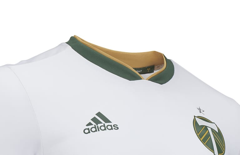 Portland Timbers unveil new 2018 white jersey with a nod to club's past - https://league-mp7static.mlsdigital.net/images/portland_collar.jpg