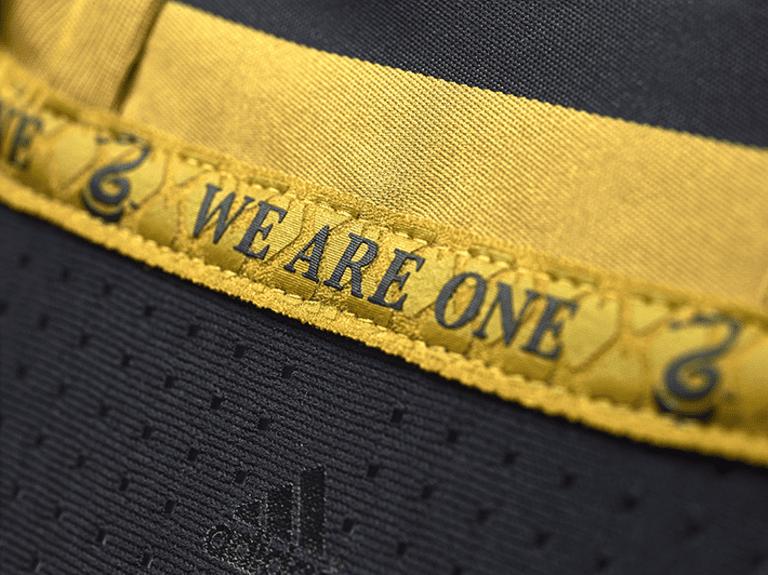 Philadelphia Union releases new primary jersey for 2016 - Philadelphia interior neck tape