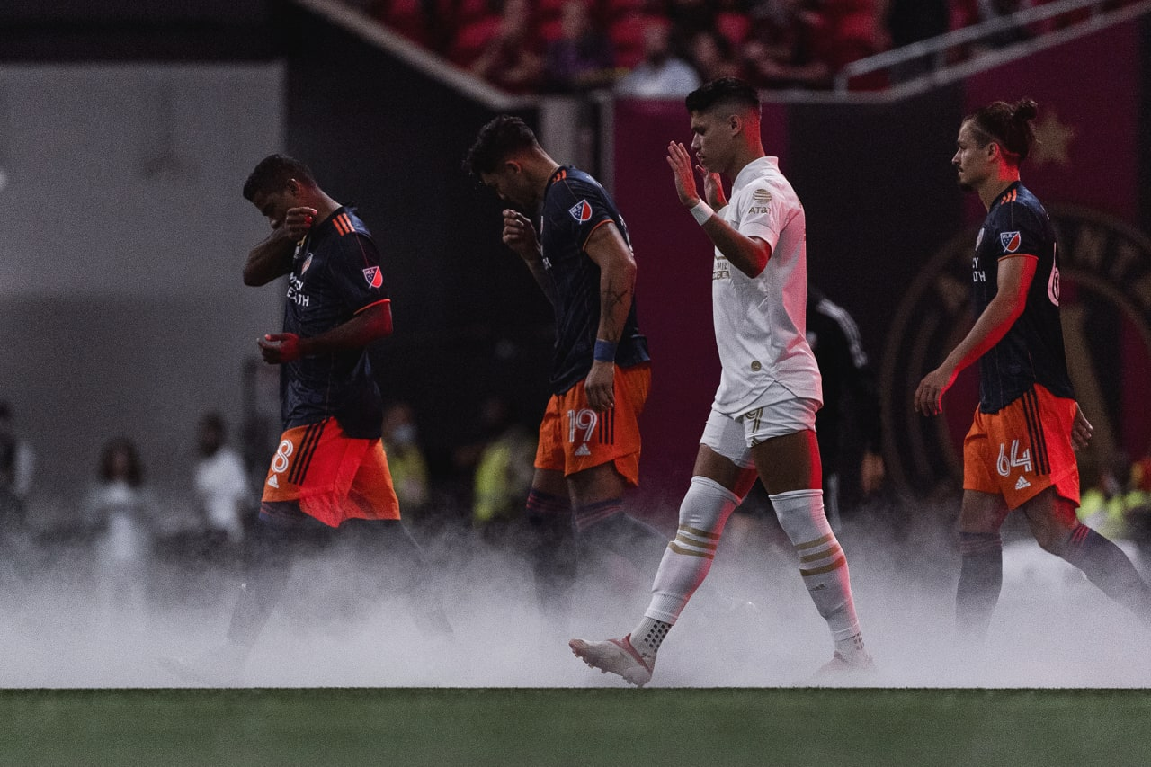 Atlanta United forward Luiz Araújo #19 walks out onto the pitch before the match against Cincinnati FC at Mercedes-Benz Stadium in Atlanta, Georgia on Wednesday September 15, 2021. (Photo by Dakota Williams/Atlanta United)