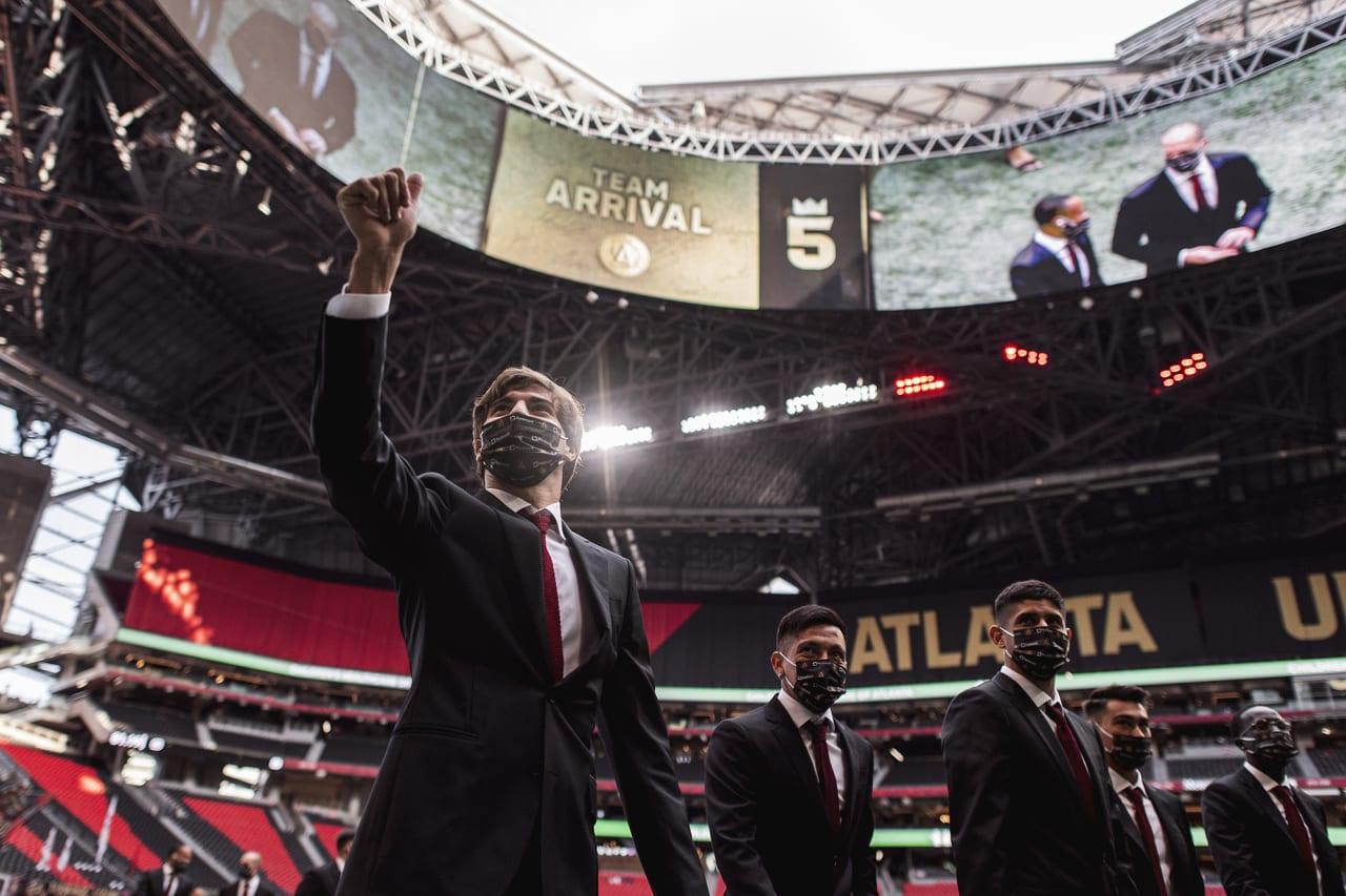 Atlanta United midfielder Santiago Sosa #5 arrives to the stadium before the match against Orlando City at Mercedes-Benz Stadium in Atlanta, Georgia on Friday September 10, 2021. (Photo by Jacob Gonzalez/Atlanta United)
