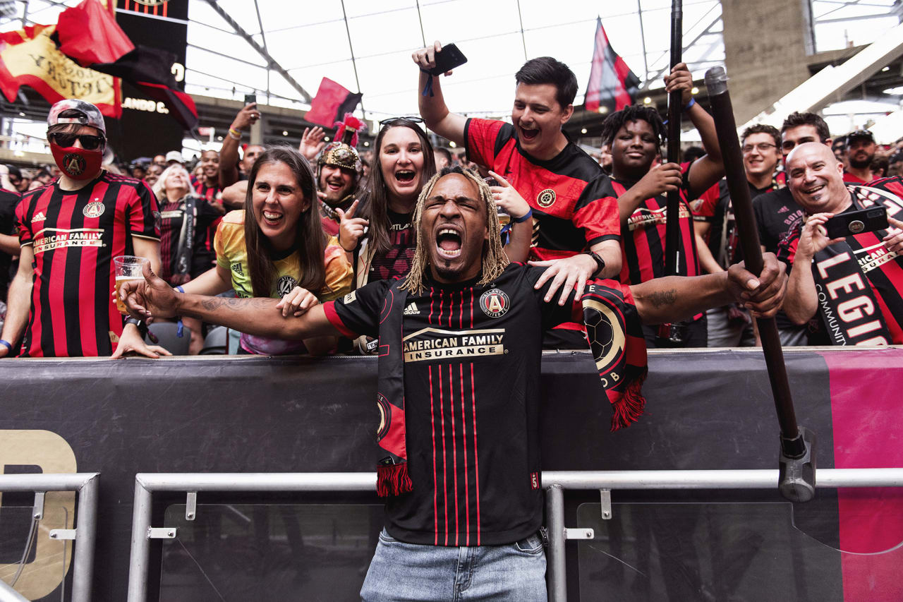 Fabo interacts with supporters before the match against Orlando City at Mercedes-Benz Stadium in Atlanta, Georgia on Friday September 10, 2021. (Photo by Mitchell Martin/Atlanta United)