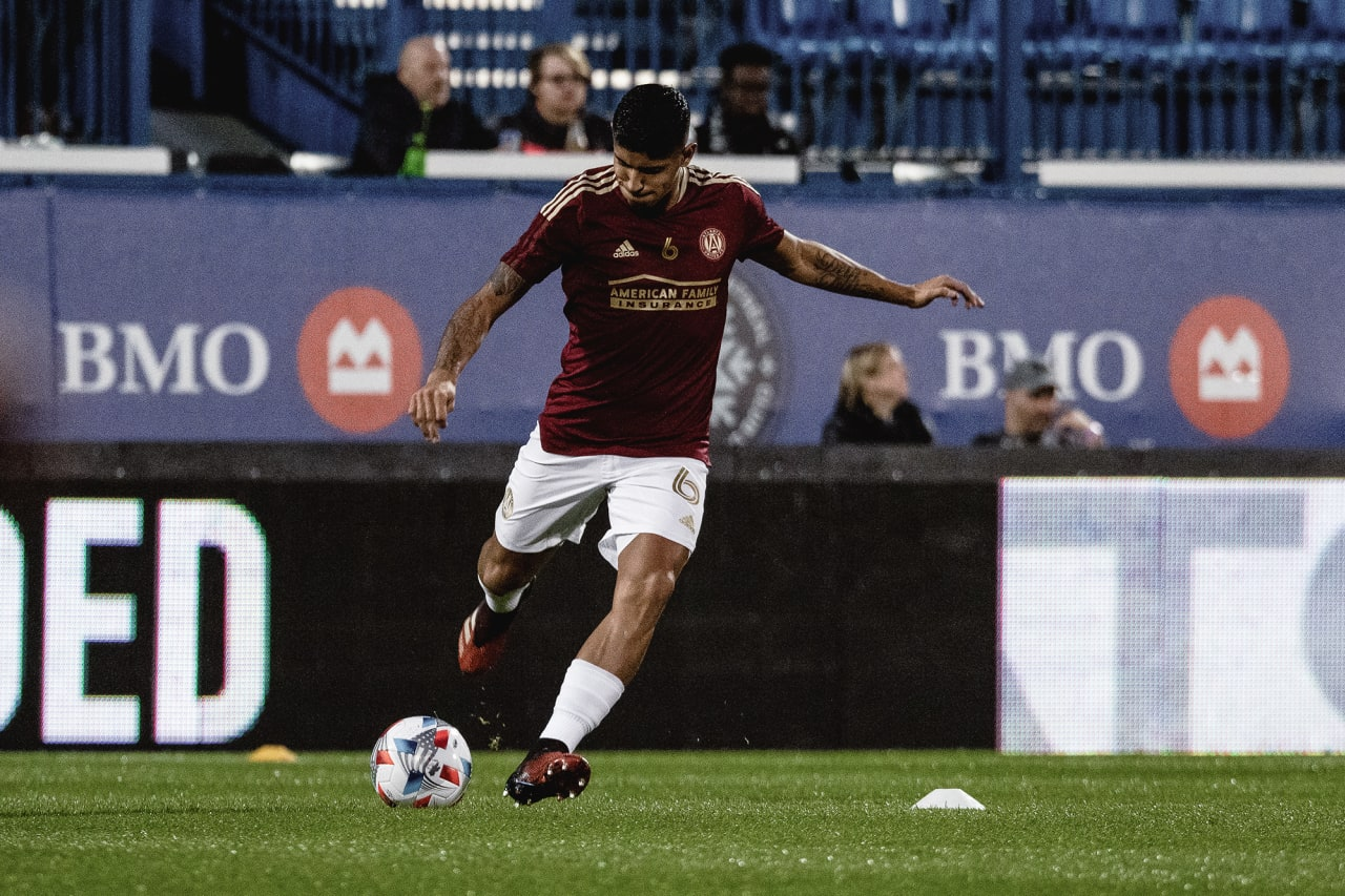 Atlanta United defender Alan Franco #6 kicks the ball during warmups the match against CF Montréal at Stade Saputo in Montreal, Quebec, on Saturday October 2, 2021. (Photo by Audrey Magny/Atlanta United)