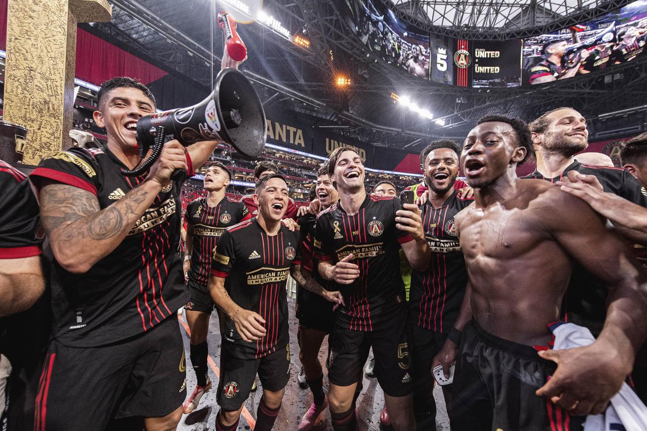 Atlanta United celebrates after winning the match against D.C. United at Mercedes-Benz Stadium in Atlanta, Georgia on Saturday September 18, 2021. (Photo by Jacob Gonzalez/Atlanta United)