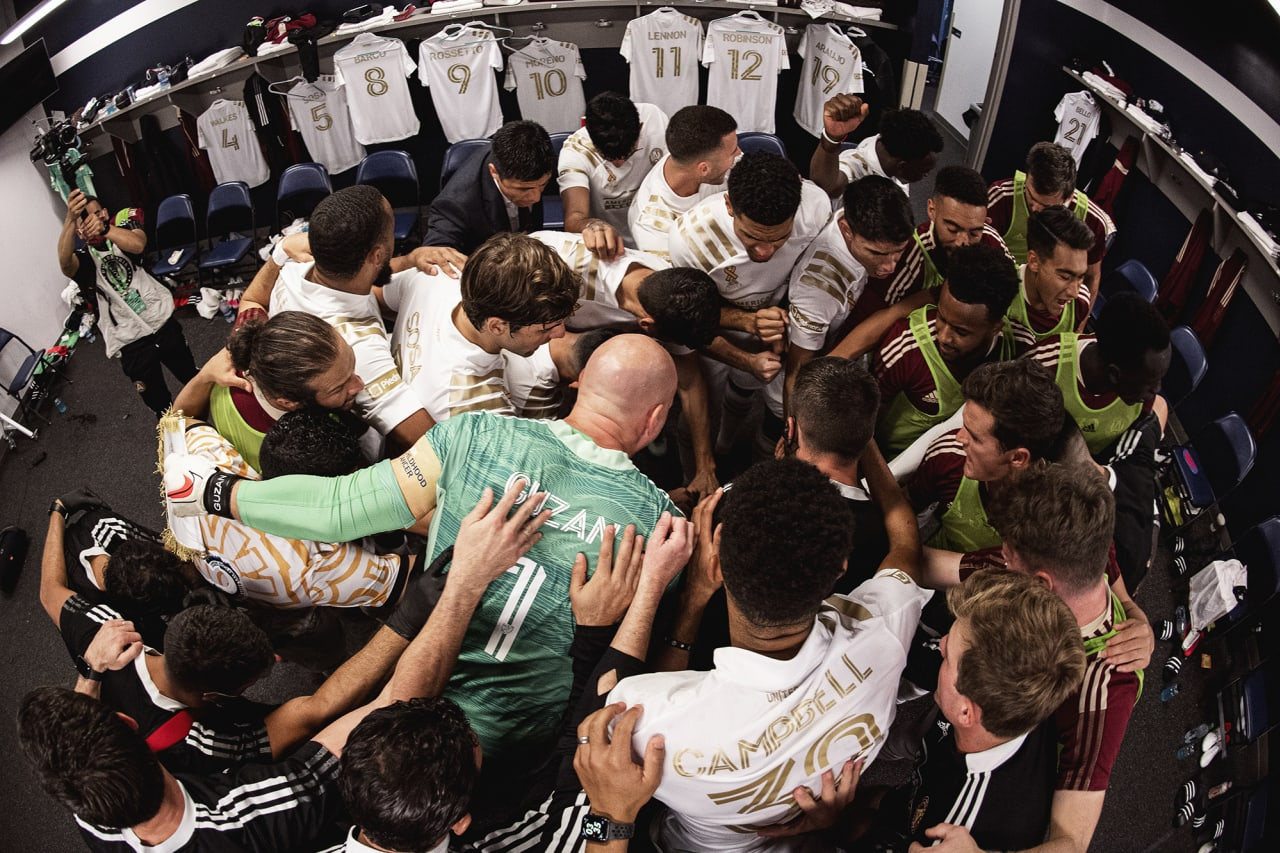 Atlanta United huddles in the locker room before the match against Philadelphia Union at Subaru Park in Philadelphia, Pennsylvania on Saturday September 25, 2021. (Photo by Jacob Gonzalez/Atlanta United)