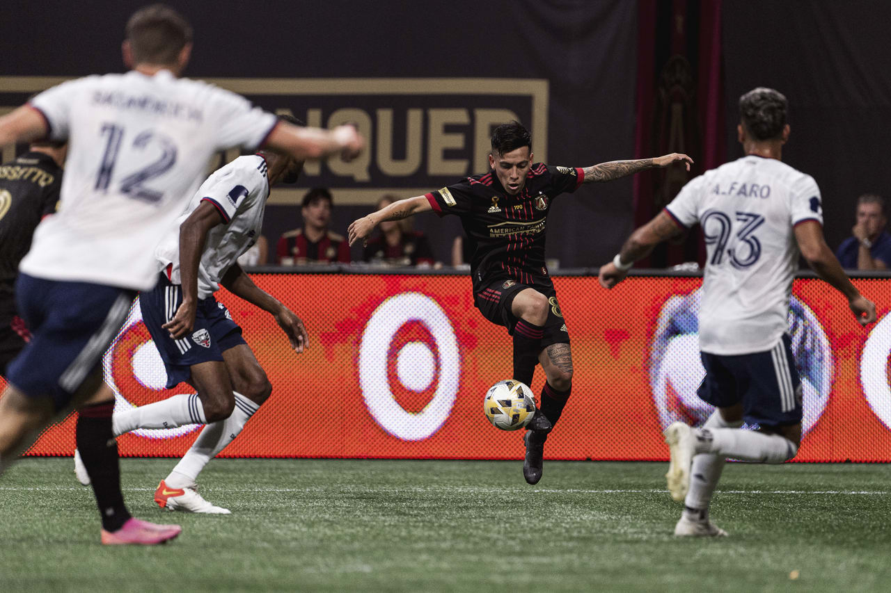 Atlanta United midfielder Ezequiel Barco #8 dribbles the ball during the match against D.C. United at Mercedes-Benz Stadium in Atlanta, Georgia on Saturday September 18, 2021. (Photo by Mitchell Martin/Atlanta United)
