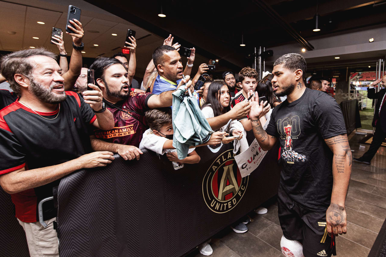 Atlanta United forward Josef Martinez #7 interacts with supporters after the match against Inter Miami at Mercedes-Benz Stadium in Atlanta, Georgia on Wednesday September 29, 2021. (Photo by Jacob Gonzalez/Atlanta United)