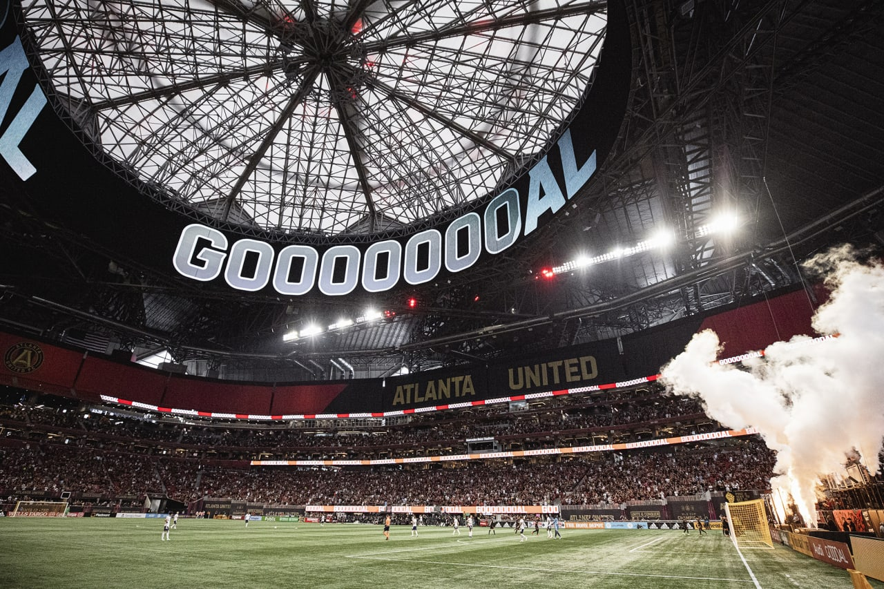 General view of the stadium after Atlanta United scores a goal during the match against D.C. United at Mercedes-Benz Stadium in Atlanta, Georgia on Saturday September 18, 2021. (Photo by Karl Moore/Atlanta United)