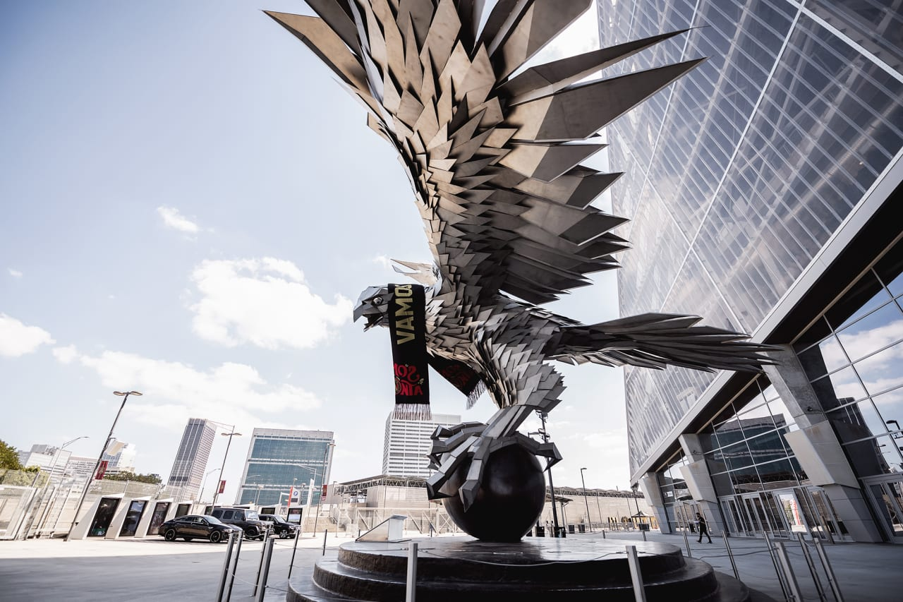 The falcon statue is seen with the Vamos ATL scarf on before the match against Inter Miami FC at Mercedes-Benz Stadium in Atlanta, Georgia, on Wednesday September 29, 2021. (Photo by Dakota Williams/Atlanta United)