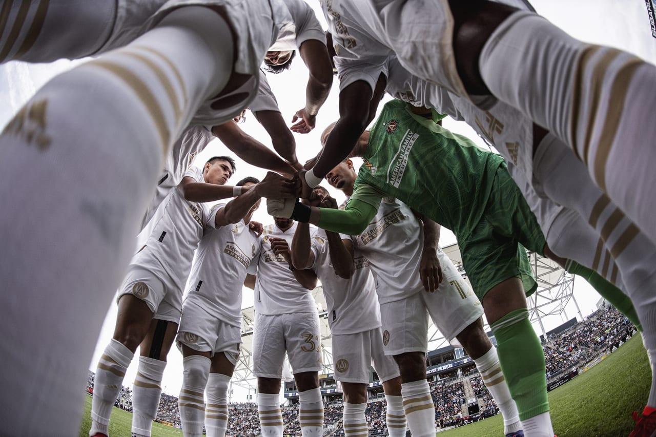 Atlanta United starting 11 huddle before the match against Philadelphia Union at Subaru Park in Philadelphia, Pennsylvania on Saturday September 25, 2021. (Photo by Jacob Gonzalez/Atlanta United)