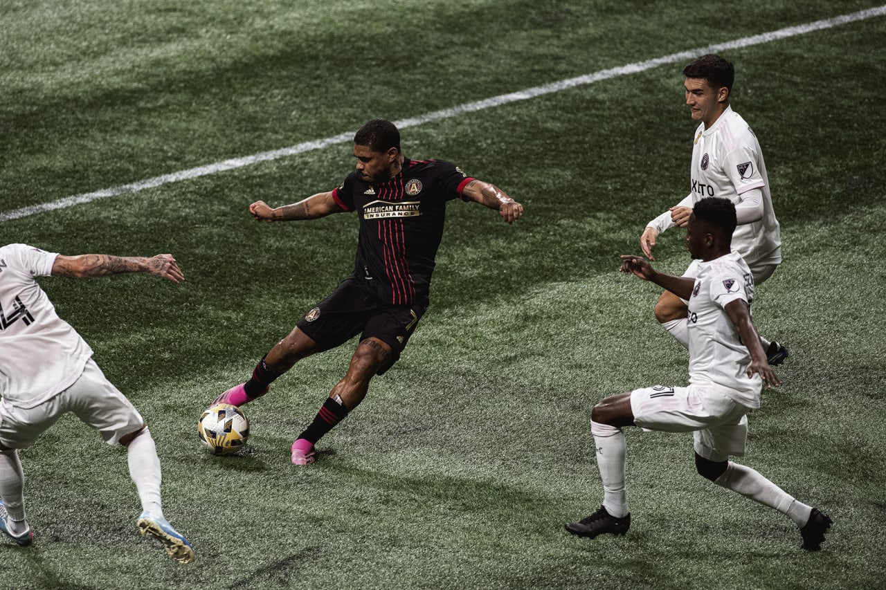 Atlanta United forward Josef Martinez #7 kicks the ball during the match against Inter Miami at Mercedes-Benz Stadium in Atlanta, Georgia on Wednesday September 29, 2021. (Photo by Kyle Hess/Atlanta United)