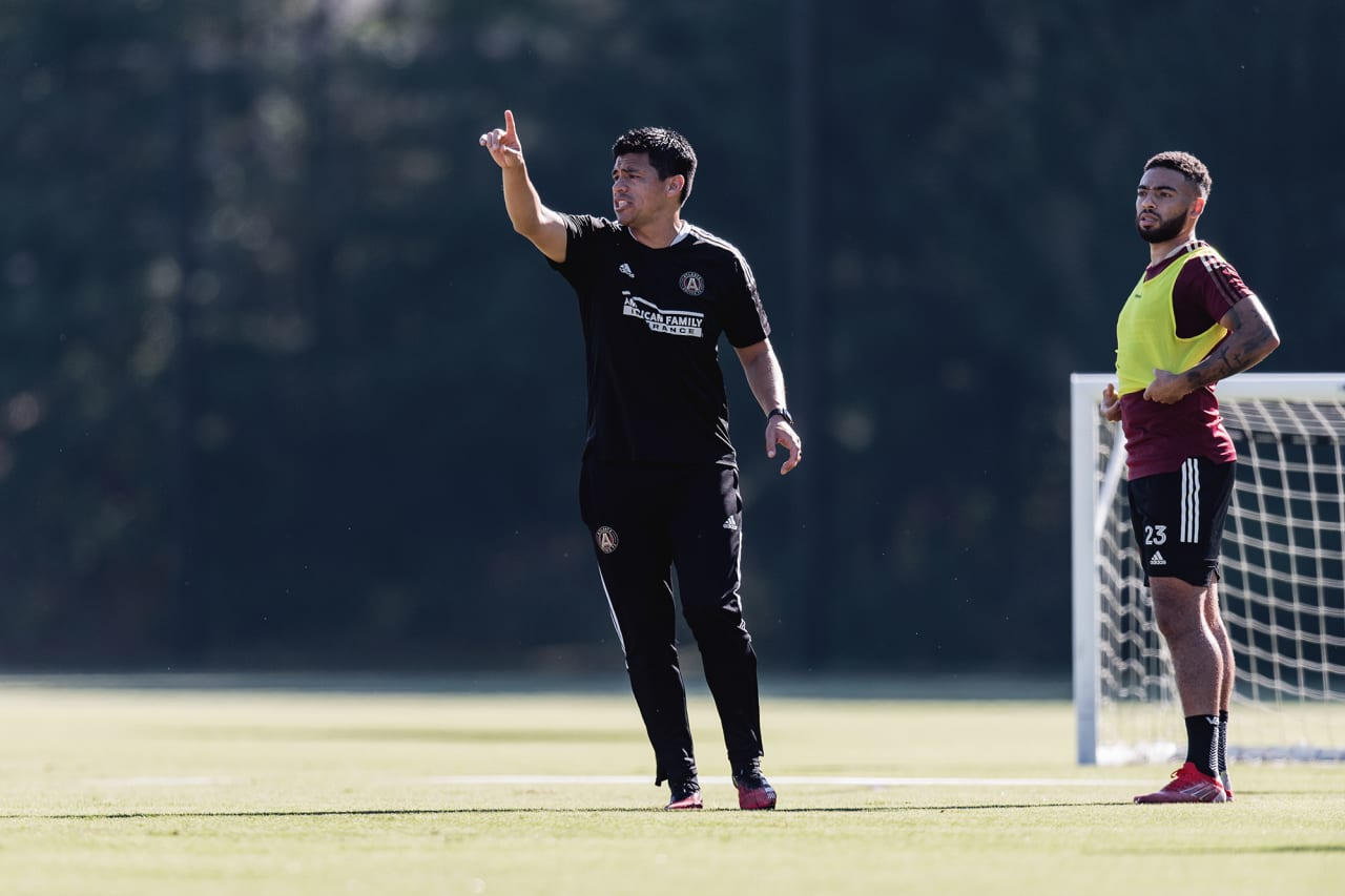 Atlanta United Head Coach Gonzalo Pineda gives out directions during training at Children's Healthcare of Atlanta Training Ground in Marietta, GA, on Monday September 27, 2021. (Photo by Jacob Gonzalez/Atlanta United)