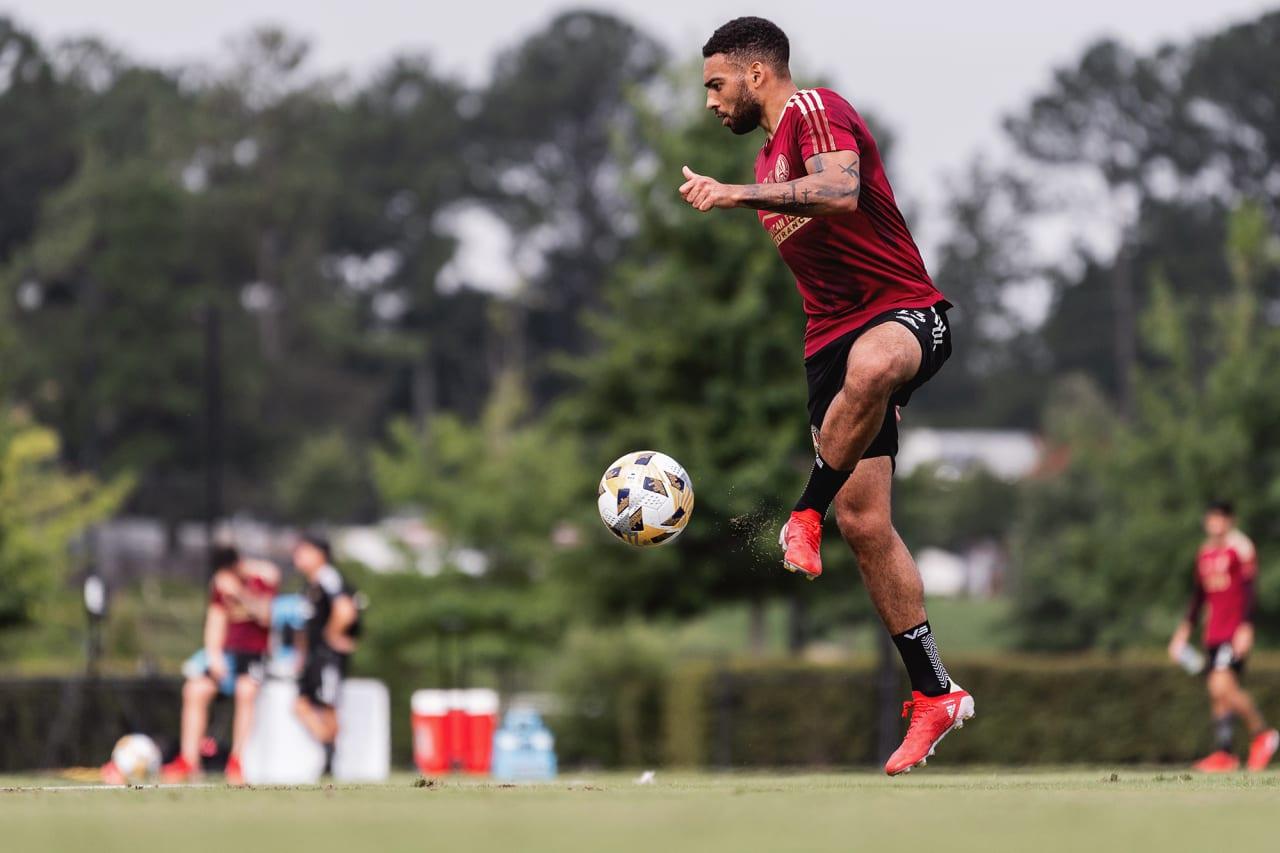 Atlanta United midfielder Jake Mulraney #23 dribbles the ball during training at Children's Healthcare of Atlanta Training Ground in Marietta, GA, on Wednesday September 8, 2021.