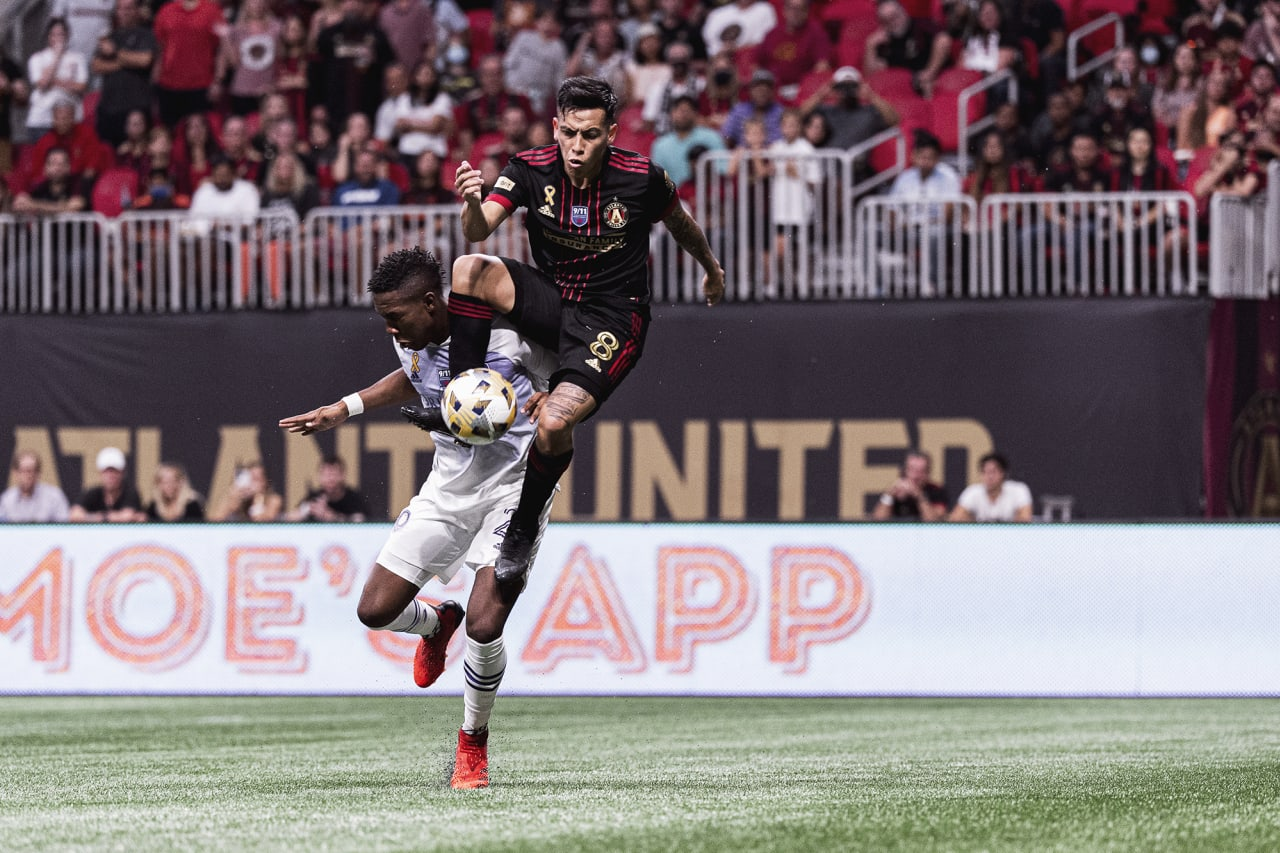 Atlanta United midfielder Ezequiel Barco #8 goes up for the ball during the match against Orlando City at Mercedes-Benz Stadium in Atlanta, Georgia on Friday September 10, 2021. (Photo by Jacob Gonzalez/Atlanta United)