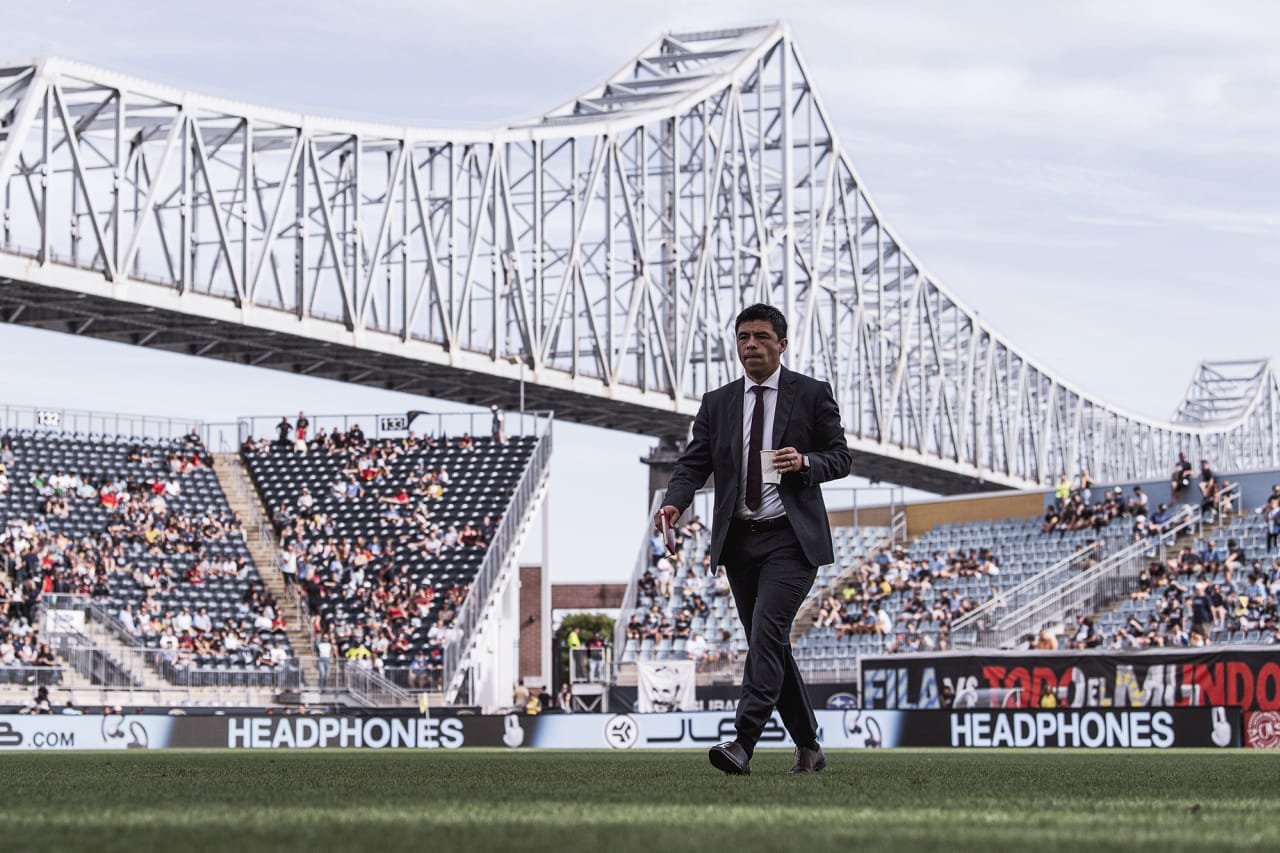Atlanta United Head Coach Gonzalo Pineda walks out before the match against Philadelphia Union at Subaru Park in Philadelphia, Pennsylvania on Saturday September 25, 2021. (Photo by Dakota Williams/Atlanta United)
