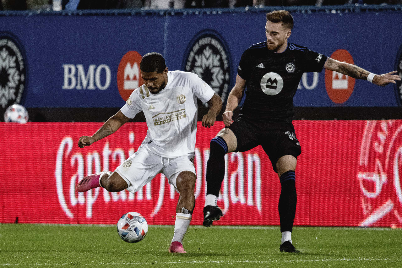 Atlanta United forward Josef Martinez #7 dribbles the ball during the first half of the match against CF Montréal at Stade Saputo in Montreal, Quebec, on Saturday October 2, 2021. (Photo by Audrey Magny/Atlanta United)