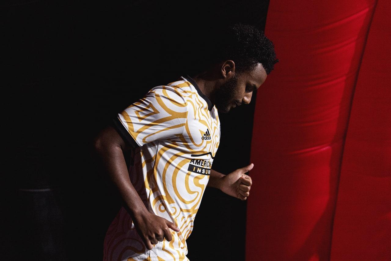 Atlanta United midfielder Mo Adams #29 walks out for warmups before the match against Cincinnati FC at Mercedes-Benz Stadium in Atlanta, Georgia on Wednesday September 15, 2021. (Photo by Brandon Magnus/Atlanta United)