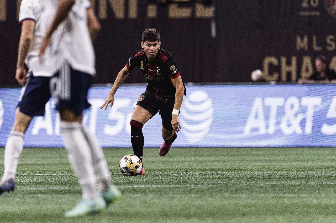 Atlanta United midfielder Matheus Rossetto #9 dribbles the ball during the match against D.C. United at Mercedes-Benz Stadium in Atlanta, Georgia on Saturday September 18, 2021. (Photo by Mitchell Martin/Atlanta United)