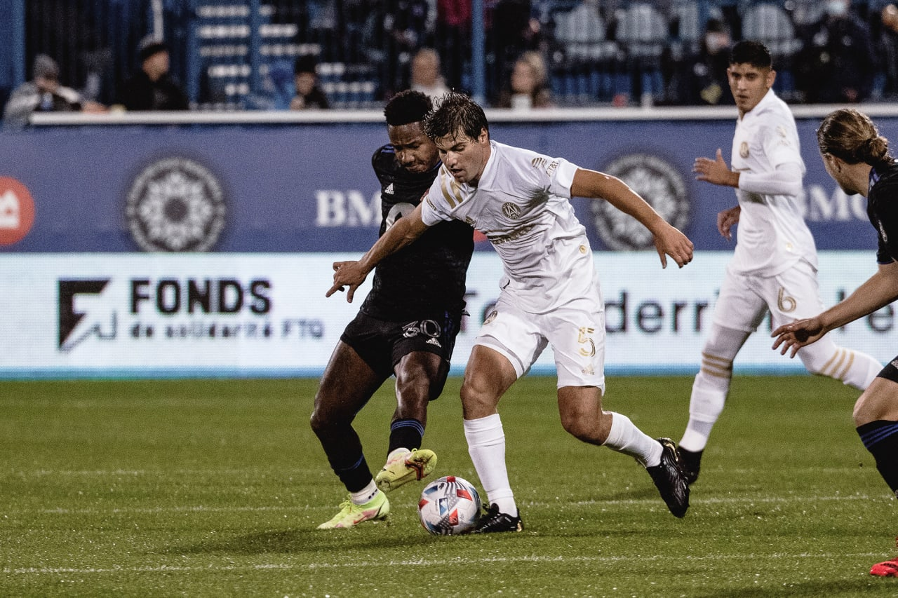 Atlanta United midfielder Santiago Sosa #5 battles for the ball during the first half of the match against CF Montréal at Stade Saputo in Montreal, Quebec, on Saturday October 2, 2021. (Photo by Audrey Magny/Atlanta United)