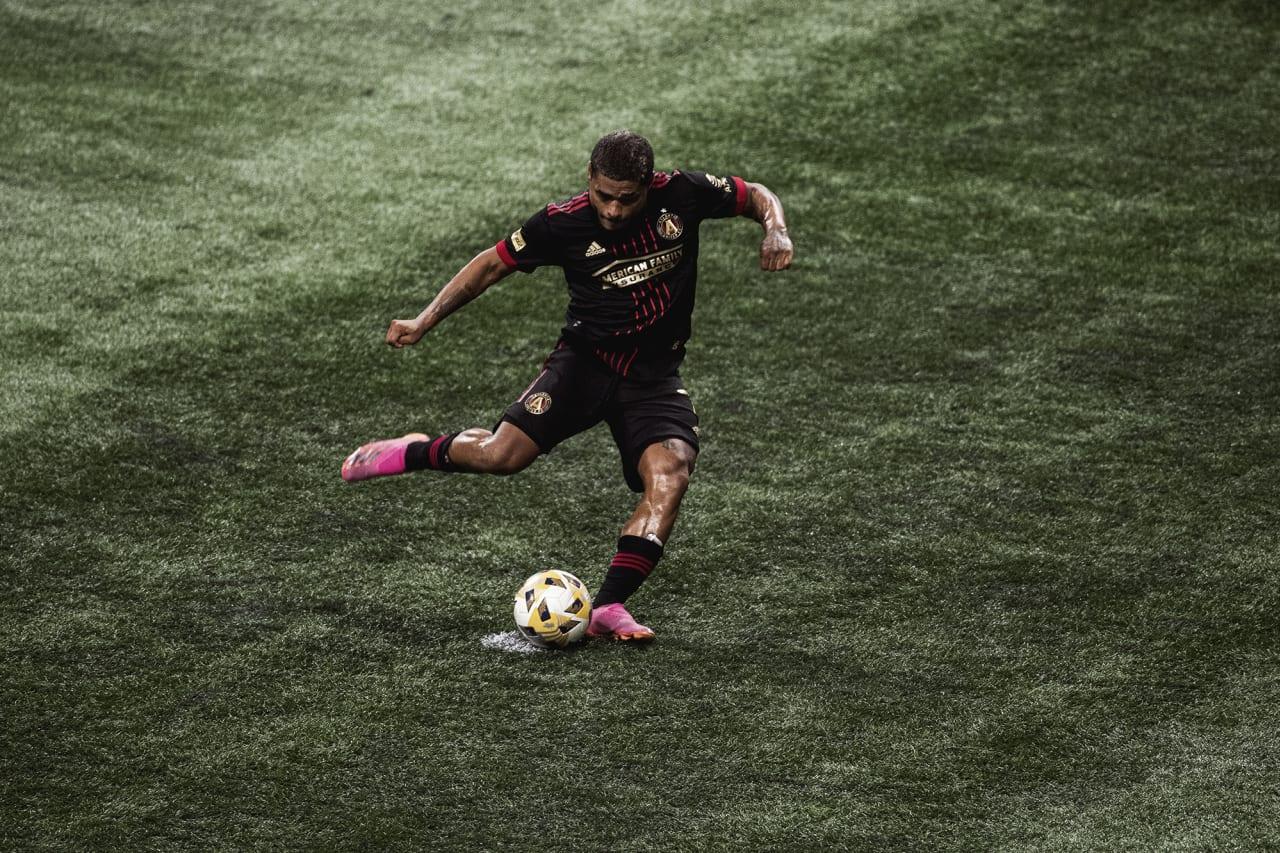 Atlanta United forward Josef Martinez #7 scores his 100th club goal during the match against Inter Miami at Mercedes-Benz Stadium in Atlanta, Georgia on Wednesday September 29, 2021. (Photo by Kyle Hess/Atlanta United)