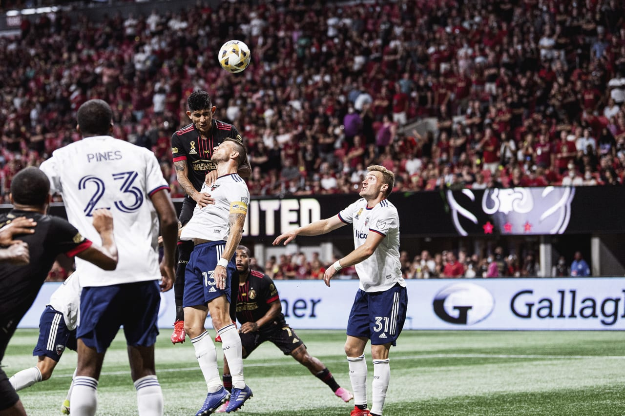 Atlanta United defender Alan Franco #6 goes up for the ball during the match against D.C. United at Mercedes-Benz Stadium in Atlanta, Georgia on Saturday September 18, 2021. (Photo by Jacob Gonzalez/Atlanta United)