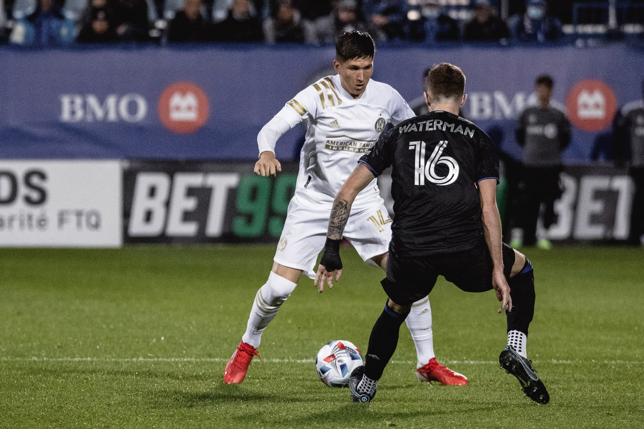 Atlanta United midfielder Franco Ibarra #14 dribbles the ball during the second half of the match against CF Montréal at Stade Saputo in Montreal, Quebec, on Saturday October 2, 2021. (Photo by Audrey Magny/Atlanta United)