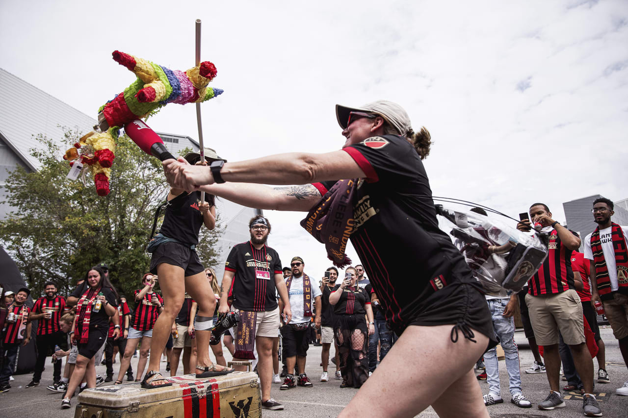 Atlanta United supporters tailgate before the match against D.C. United at Mercedes-Benz Stadium in Atlanta, Georgia on Saturday September 18, 2021. (Photo by Matthew Grimes/Atlanta United)