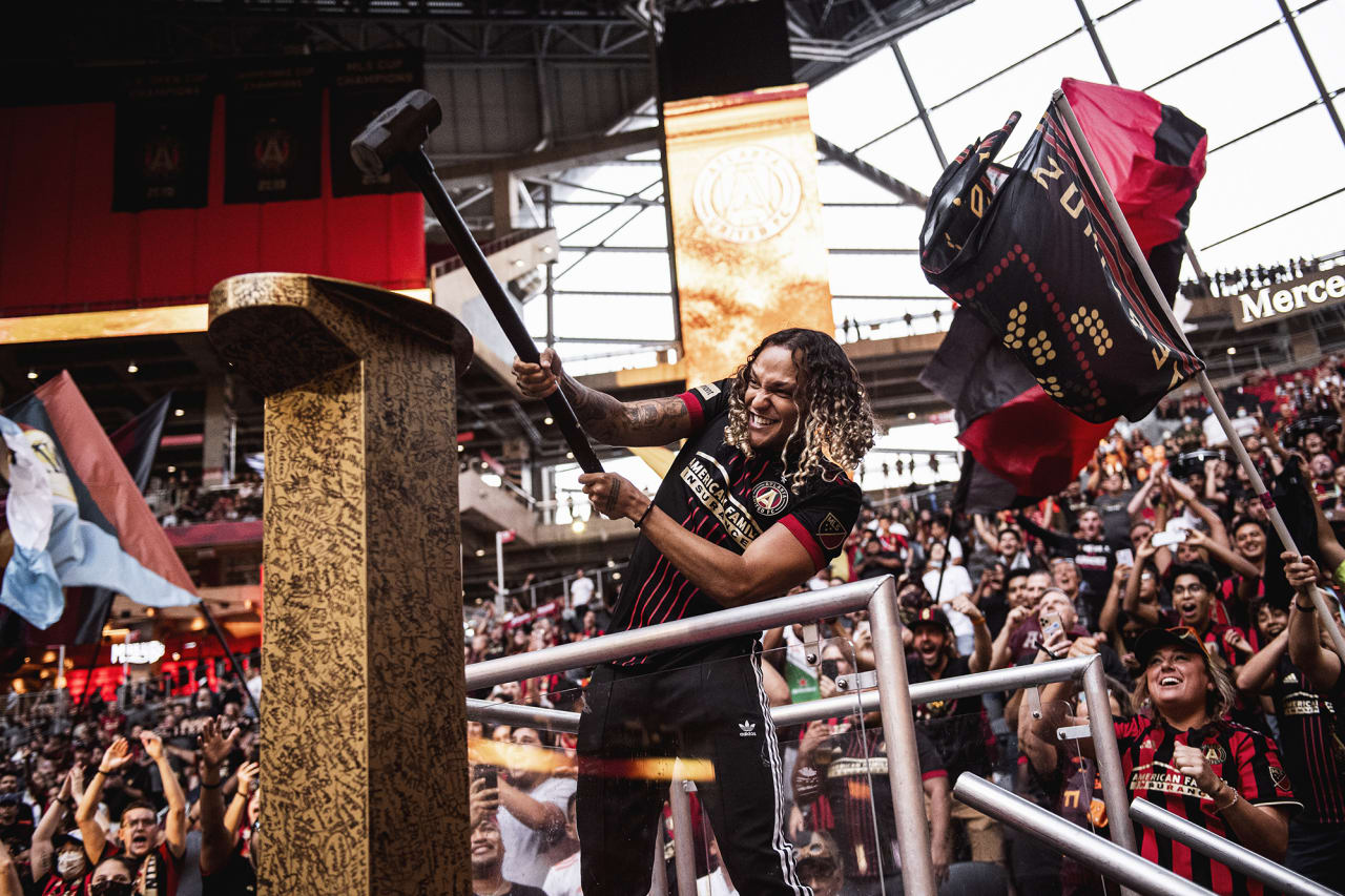 Venezuelan singer/songwriter Jerry Di hits the golden spike before the match against Inter Miami at Mercedes-Benz Stadium in Atlanta, Georgia on Wednesday September 29, 2021. (Photo by Adam Hagy/Atlanta United)