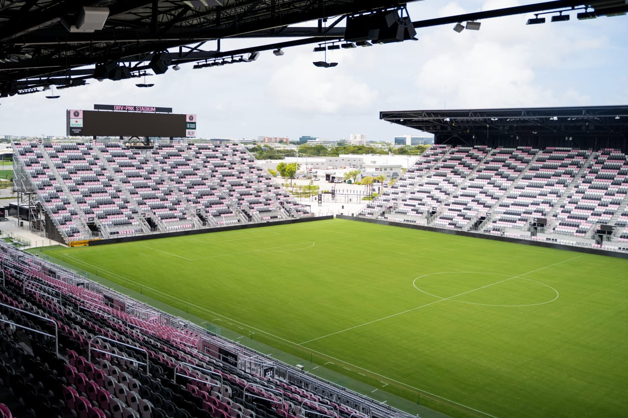 DRV PNK Stadium 6