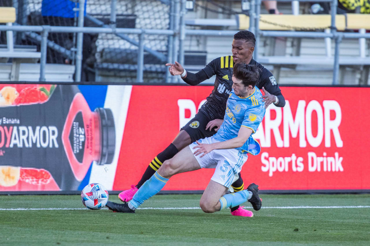 CLBvPHI | Flach tackle