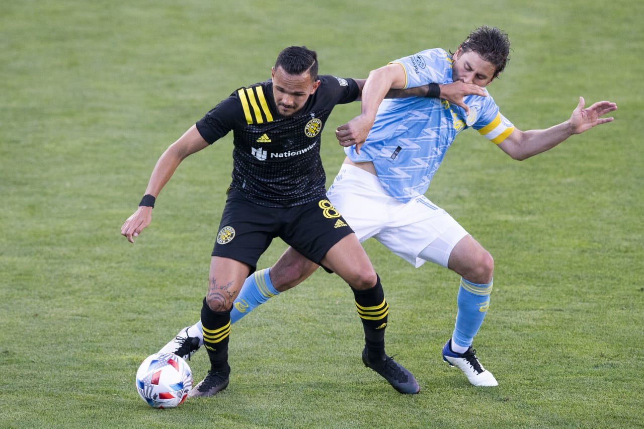 CLBvPHI | Bedoya fights for possession