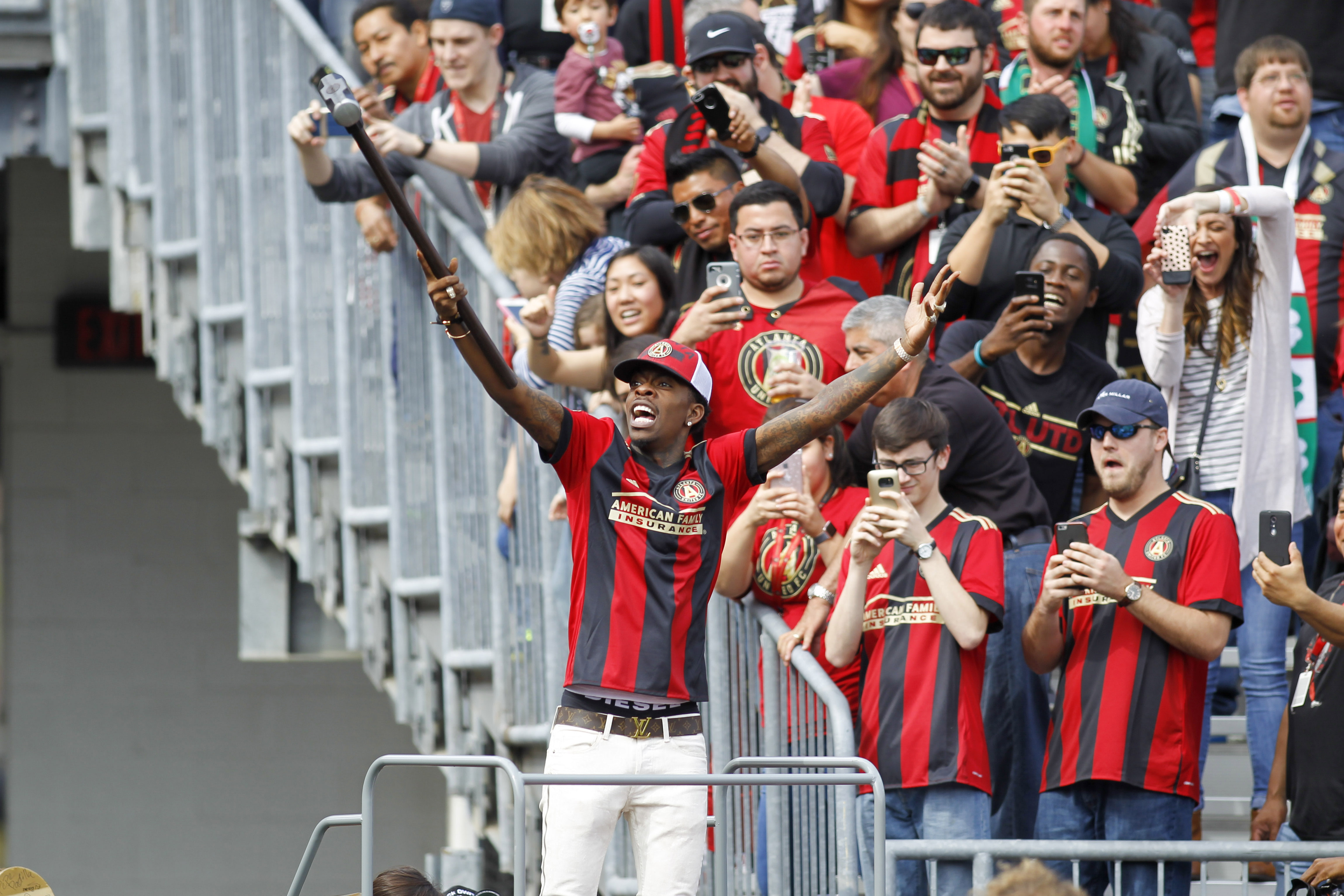 Rich Homie Quan hammered the Golden Spike before the Atlanta-Chicago match | MLSSoccer.com